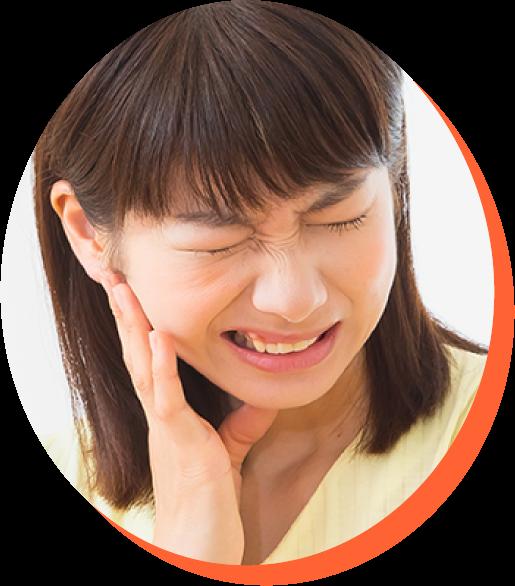 顎関節に痛む女性