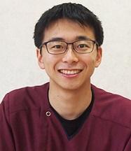 歯科医師:笠原 俊宏