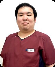 歯科医師:友廣 楽